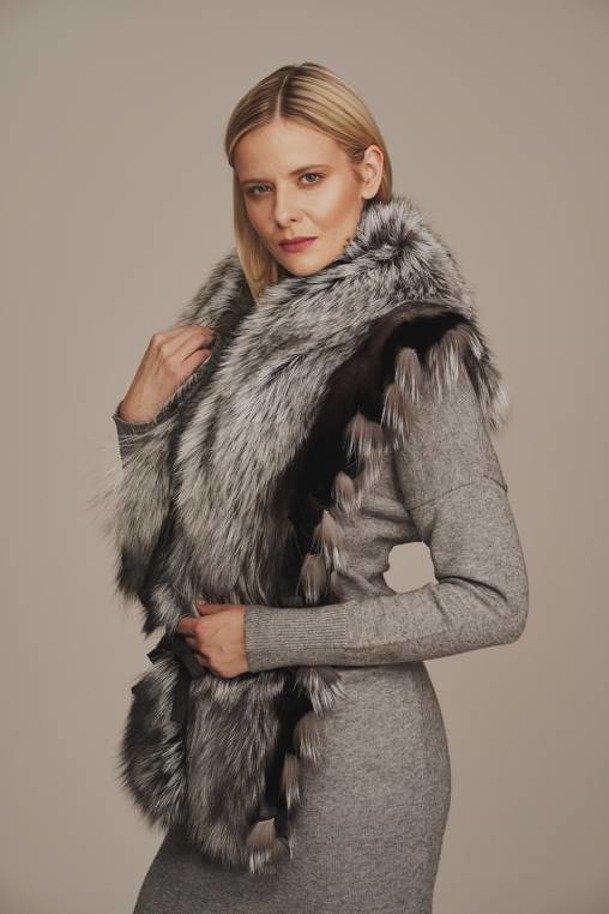 Dámský šálový kožešinový límec ze stříbrné lišky