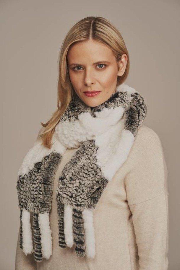 Dámský zimní šedý šátek z činčila