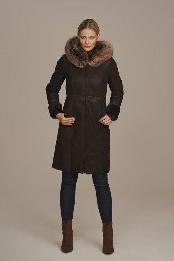 Dámský zimní zateplený kožený kabát s kapucí - Ovčí kožich