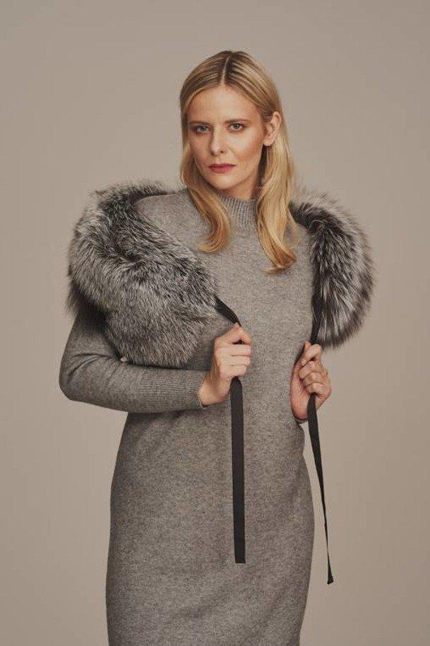 Silver fox fur collar