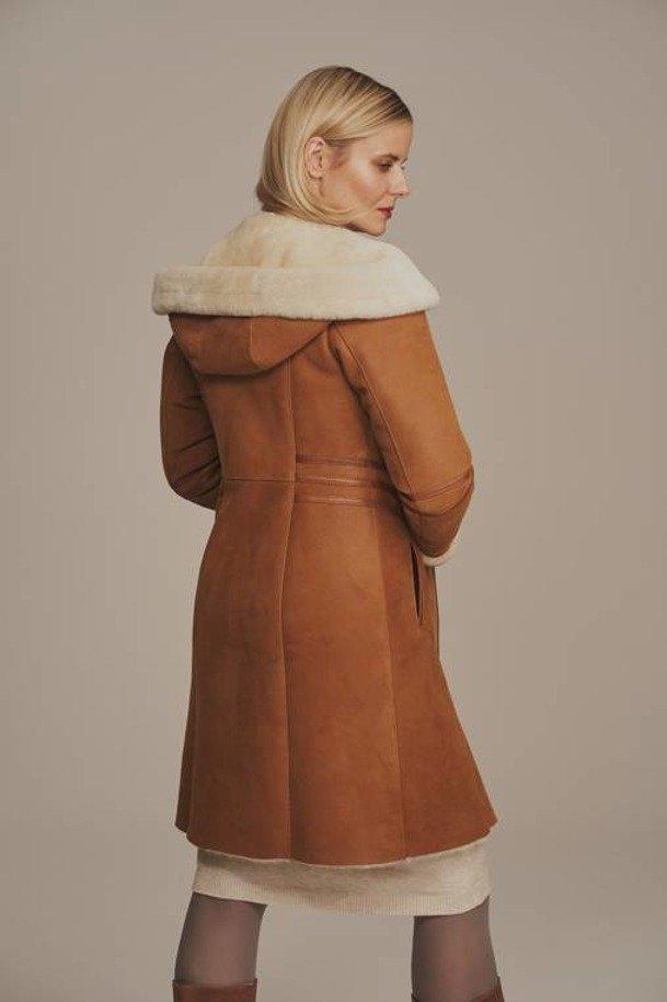 Płaszcz damski zimowy z kapturem - Brązowy kożuch damski do kolan
