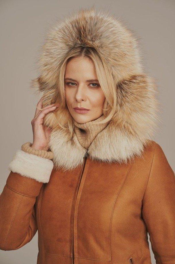 Płaszcz zimowy damski z kapturem - Kożuch damski długi naturalny